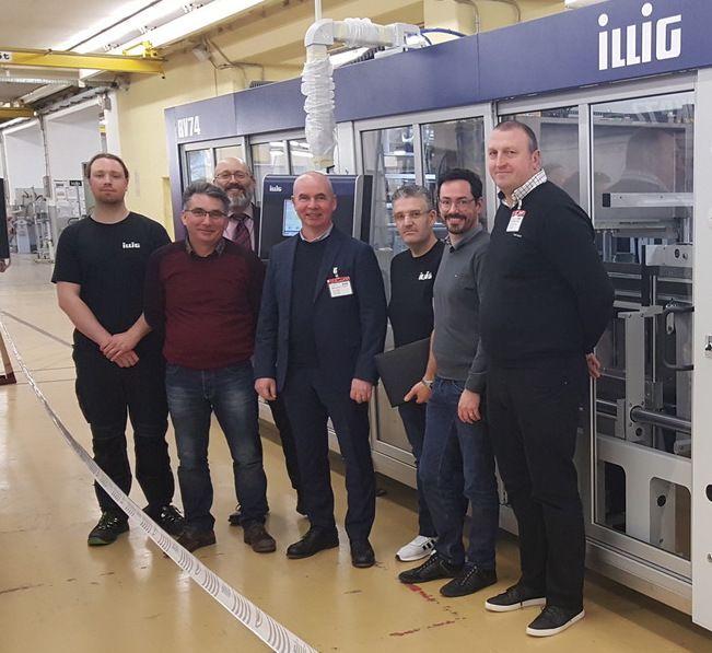 La nouvelle ligne de thermoformage a été réceptionnée à Heilbronn dans les locaux du fabricant ILLIG, l'un des leaders mondiaux des systèmes destinées  au thermoformage à changement de série rapide